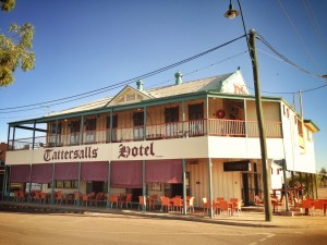 Tatts Hotel Winton